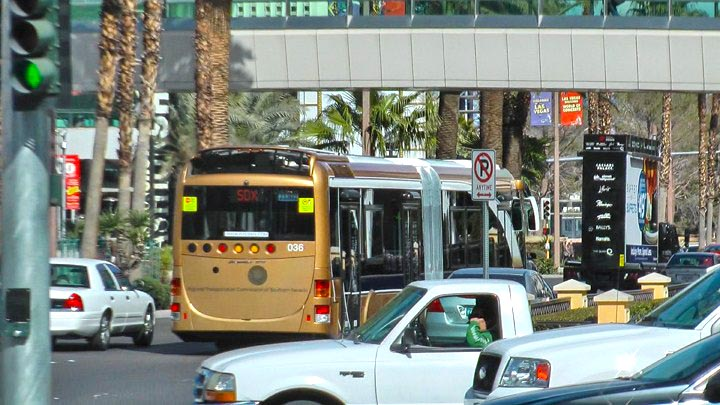 las-vegas-attraktion-sdx-bus-strip-downtown-express